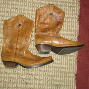 Womens boots size 8.8